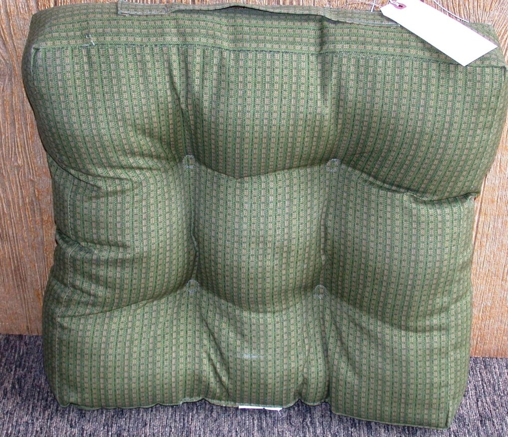 1 Outdoor Patio Wicker Chair Cushion Celery Khaki 18 5 X 20 X 4