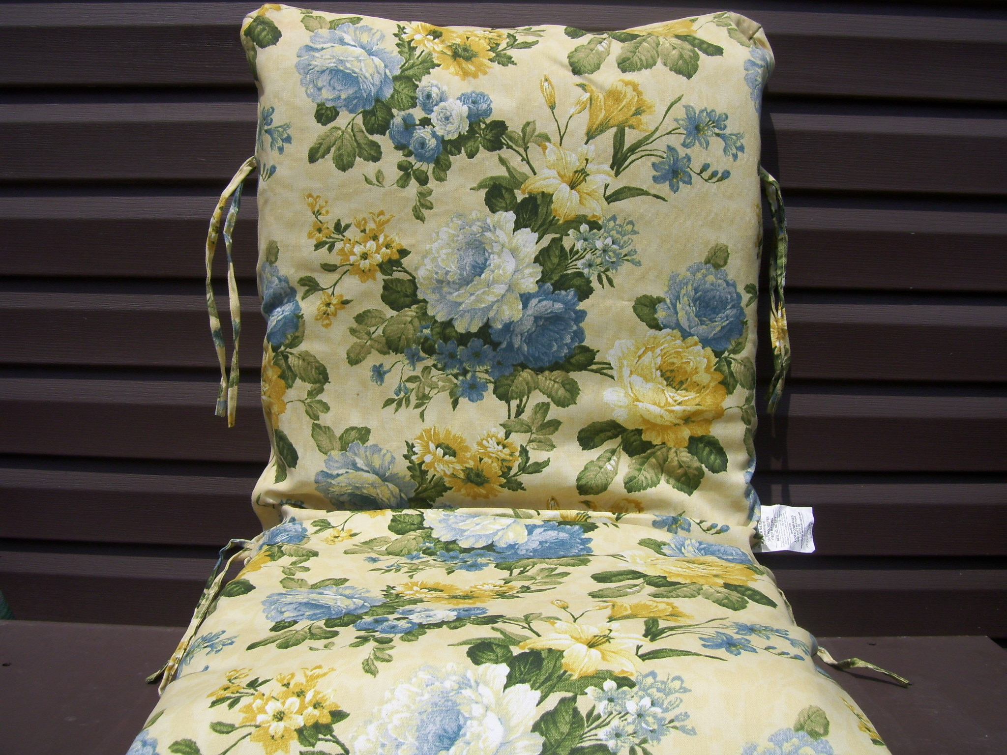 4 new yellow and blue flowered outdoor chair cushions ebay. Black Bedroom Furniture Sets. Home Design Ideas